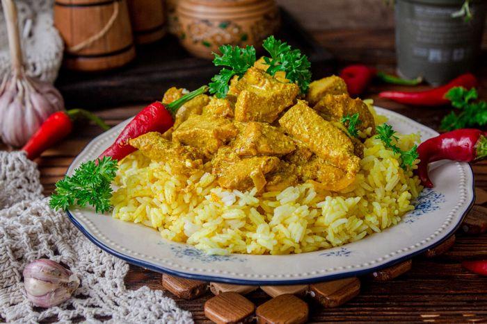Курица 65 с кокосовым рисом