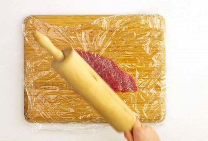 Лосось с картофелем хассельбек и тушеной капустой