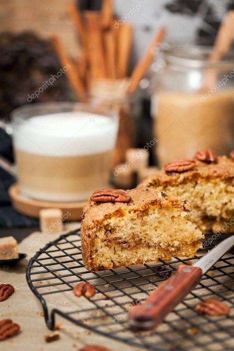 Осенний кофе с ореховым молоком и инжиром