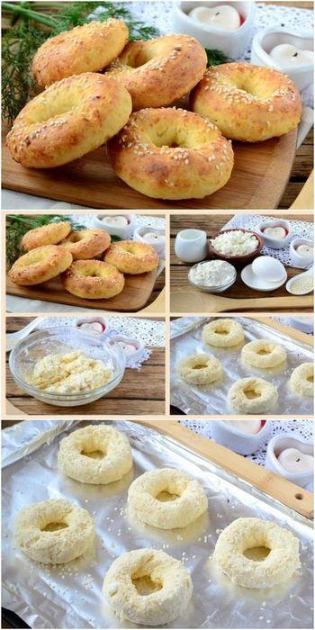 Печенье со взбитыми сливками и клубникой