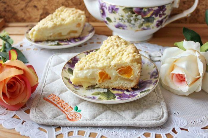 Пирог с пудингом и яблоками