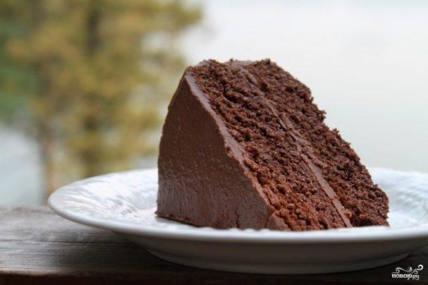 Пушистый шоколадный торт с пахтой