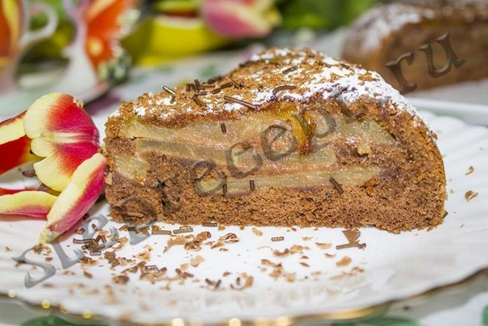 Шарлотка с клубникой - пирог без выпечки